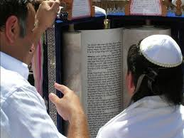 a 20 year old guy successfully sued his own mom for a 5 000 bar mitzvah gift
