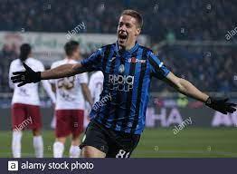 Mario Pasalic von Atalanta feiert nach dem Tor, um der Seite eine 2-0  Führung während der Serie Ein Spiel im Gebiss Stadium, Bergamo zu geben.  Bilddatum: 15. Februar 2020. Bildnachweis sollte lauten: