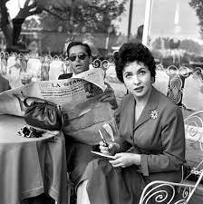 Gina Lollobrigida mit Ehemann Milko Skofic 1955 Bild - Kaufen / Verkaufen