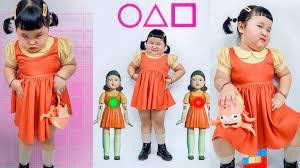 Cô bé ''loi nhoi'' cosplay búp bê trong Squid Game gây bão cộng đồng mạng