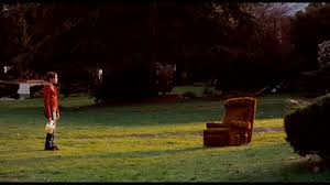 in praise of chairs a video essay on mise en scene the dinglehopper tony zhou never calls it mise en scene but that s what production design falls under the setting of the stage in a film or play here he develops the ways