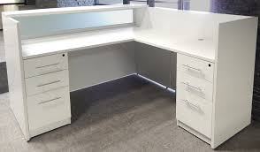 l shaped white reception desk w frosted glass panel