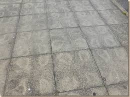 spot bed staining of concrete flags
