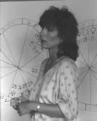 Liz Greene - Astrodienst Astrowiki