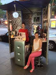 dazzle strands pop up kiosk melbourne