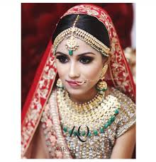 and undoubtedly the top bridal make up artist not only in ludhiana but also in punjab her makeup style is a blend of western and indian colors