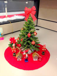 christmas office decor. Christmas Celebration Decor At Corporate Office H