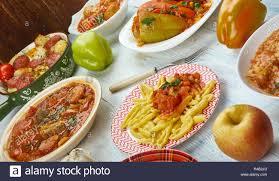 Ungarische Küche, Traditionelle Verschiedene Gerichte, Ansicht Von Oben.