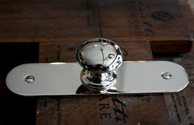 cabinet hardware knobs and pulls images on kitchen cabinet door handles with