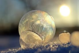 light sunlight glass reflection freeze lighting egg close up ball sphere soap bubble shape macro photography eiskristalle frozen bubble