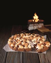 pizza hut dessert menu. Simple Pizza Su0027moreslovers Are Going To Freak Out Over Pizza Hutu0027s Newest Menu Item A  Hersheyu0027s Toasted Su0027mores Cookie Itu0027s The Ultimate Combination Of Cookie Cake  On Hut Dessert Menu