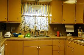 Yellow Paint Colors For Kitchen Yellow Kitchen Paint Colors Of Traditional Yellow Kitchen Paint Ideas
