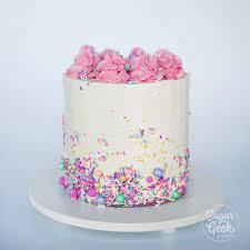 how to decorate your first cake step
