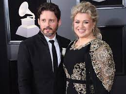 Kelly Clarkson requests name change ...