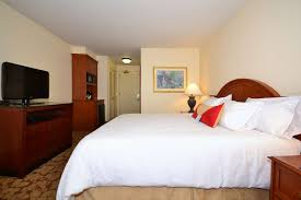 guest room guest room guest room business center business center hilton garden inn tulsa airport