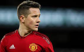 Ander Herrera hoping to agree deal with Man Utd despite PSG interest