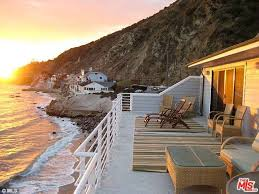 The Chart House Malibu Lana Del Rey Buys Secluded 3m Malibu Beach Front Property