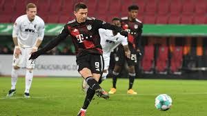 Napadač bayerna robert lewandowski u subotu je izjednačio rekord po broju golova u sezoni bundeslige (40) legendarnog gerda muellera. Obwkzr5flbihnm