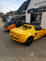 Lotus Elise In Front Of Local Wood Shop Spotted