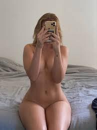 Pam Grzeskowiak Nude Tease Social Media Girls