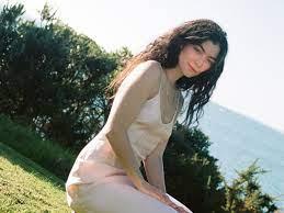 """On """"Solar Power,"""" Lorde Loves the Beach ..."""