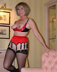 Mature in lingerie tgp