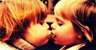 Was bedeutet eigentlich der Kuss-Smiley?