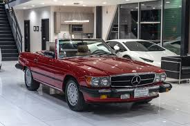 The 560sl has a all aluminium 5.6 dual overhead cam v8 with 227 hp, the euro 500 v8 produces a bit more hp. Used 1987 Mercedes Benz 560sl Roadster Hard Top Classic Color Combination For Sale Special Pricing Chicago Motor Cars Stock 16835