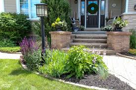 how to add curb appeal to a lamp post and blend it into the yard