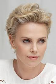 Charlize Theron Short Hair Style charlizetheronatamillionwaystodieinthewestpress 6770 by wearticles.com