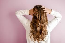 Tes Kepribadian Kebiasaan Memegang Rambut Ternyata Ciri Ciri Orang