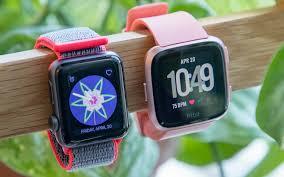 Fitbit Versa Vs Apple Watch Which Smartwatch Wins Toms