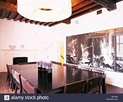 Moderne Esszimmer Balkendecke Holz Tisch Polsterstühle
