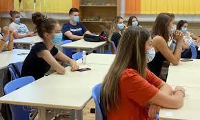 GALERIE FOTO) Cum arată prima zi de școală în vreme de pandemie