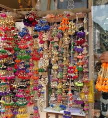 Small Picture With LOVE in midst Heres a list Street Shopping in Mumbai
