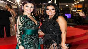 """أزمة الفستان: اعتذار رانيا يوسف """"ينقذها"""""""