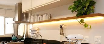 Você pode encontrar o rolo de 5 metros de fita de led a partir de r$ 18,00 até r$ 150,00. Fita Led Como Usar Na Decoracao 25 Projetos Wevans