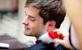 男性がなんだかたまらなくヘアスタイルを変えたいと思う瞬間10