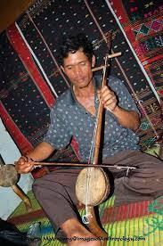 Dengan mendengarkan musik, menghayati serta menikmatinya dengan santai, kita bisa merasakan ketenangan dan relaksasi. 34 Provinsi Alat Musik Tradisional Dan Cara Memainkannya