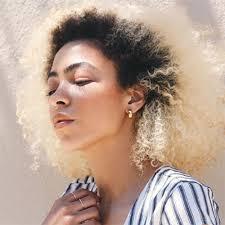 Tout Ce Que Vous Devez Savoir Avant De Décolorer Vos Cheveux