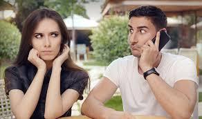 Resultado de imagem para Como saber se sua namorado gosta de outra pessoa