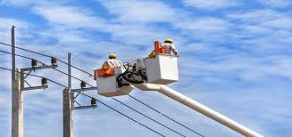 electrical power line installers and repairers successful traits of electrical linemen coyne college