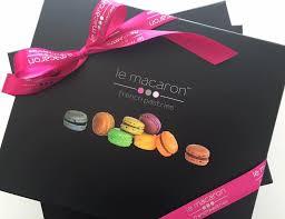 gift bo macarons
