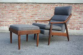 mid century modern leather lounge chair perfect ottoman b