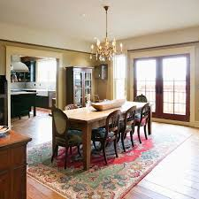 alternative to oval rug under dining table