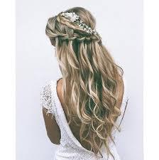 účes Polorozpuštěné Vlasy čelenka Z Květů ú