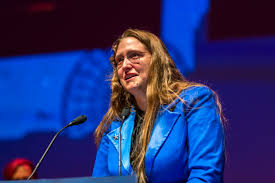File:Ada Palmer accepting the John W. Campbell Award at the Hugo Award  Ceremony, at Worldcon 75 in Helsinki 2017.jpg - Wikimedia Commons