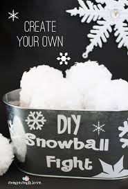 create your own diy snowball fight with just some yarn via createcraftlove com