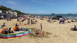 And we've got beach huts are available to use from 10am on the first day of your booking. Newsflare Hundreds Gather On Bournemouth Beach To Enjoy Bank Holiday Sunshine