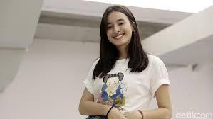 Pada usianya yang baru 18 tahun, billie eilish telah mencapai prestasi lebih banyak dalam karirnya daripada yang pernah dicapai artis lain seumur hidup mereka. Lagu Terbaru Indonesia 2020 Yang Enak Didengar